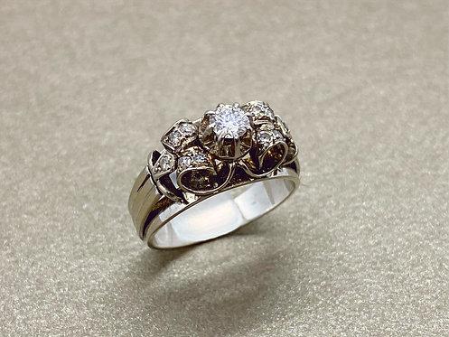 Bague 1930 en or, platine et diamants