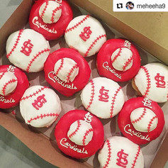Congratulations on getting drafted _meheeha9!!!⚾⚾⚾⚾⚾⚾_•_•_•_ #Repost _meheeha9_・・・_My wife surprised me with a box of custom donuts from my_