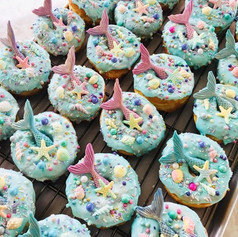 Mermaid donuts are back until September.jpg 🤗_•_To pre-order,  text  818-835-0644 for Canoga park or 805-301-7118 for Newbury Park.jpg