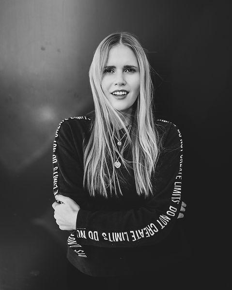 Maja Eifert ist Co-Founder der Social Media Agentur Satellite Creative House in Stuttgart. Sie ist spezialisiert auf Fotografie, Web- und Grafikdesign.Mit einem Master in Strategischen Marketing