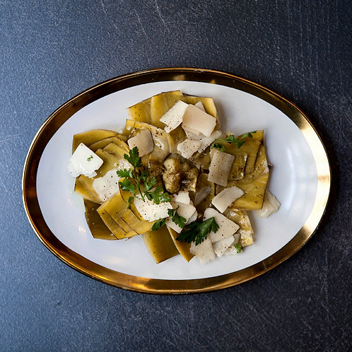 Alcachofa Confitada con Lascas de Parmesano