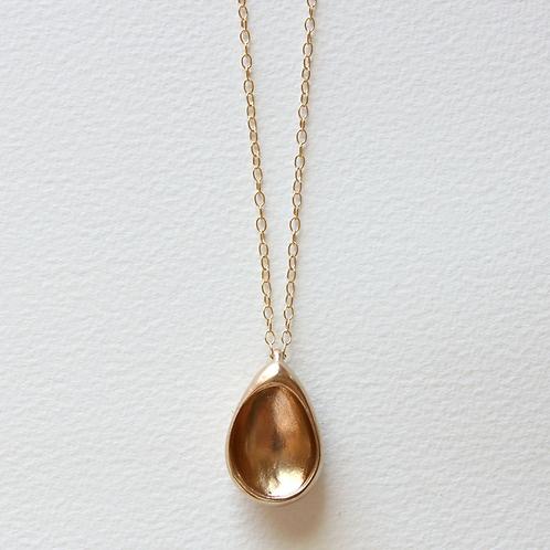 Egg Hollows Necklace