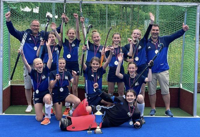 U15 Girls Gold 2021.jpg