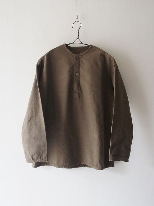 "1970's ""Russian Military"" Sleeping Shirt -lightbrown- -size 46-"