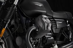 Moto Guzzi V7 stone side