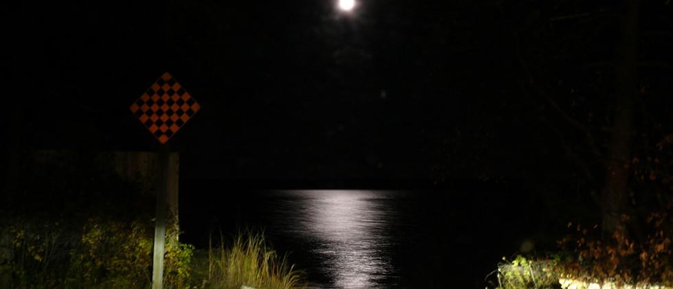 Pleine lune sur la Baie