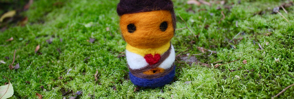 Felted Bow Guy
