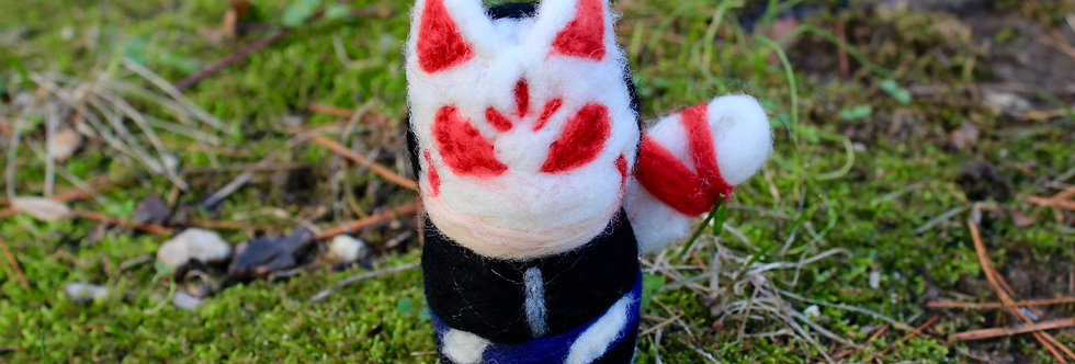 Felted Phantom Thief Fox Guy