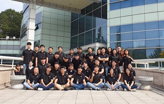 2019년 경제통상진흥원 앞 단체사진