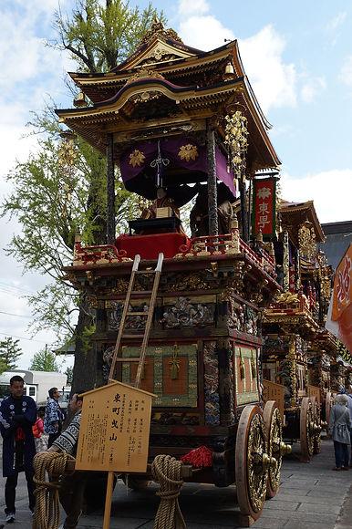 曳山祭聞名寺_東町.JPG