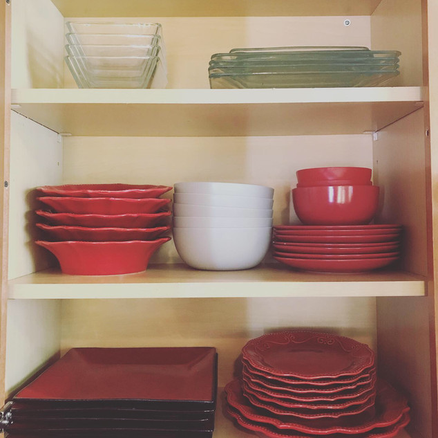 Dishes cabinet