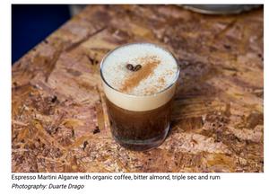 Espresso Martini Algarvio com café biológico, amêndoa amarga, triple sec e rum