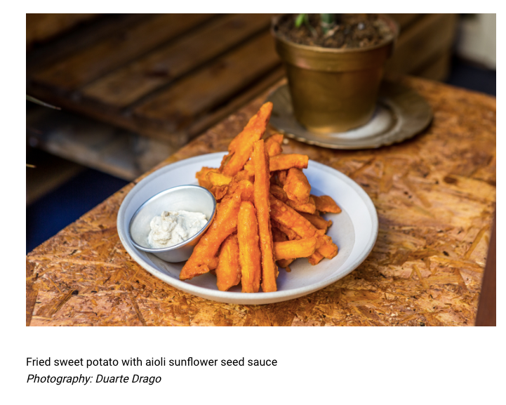 Batata doce frita com molho aioli de sementes de girassol