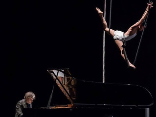 METAMORFOSI DEL PIANOFORTE - MUSICA NEL CIELO Loretta Morrone Danza Acrobatica Aerea Pape Guirioli P
