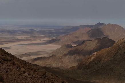 plains-monfia-red-sea-mountains-ben-hoff