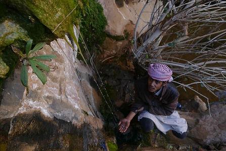 el-nagaata-dripping-spring-bedouin-boy-b