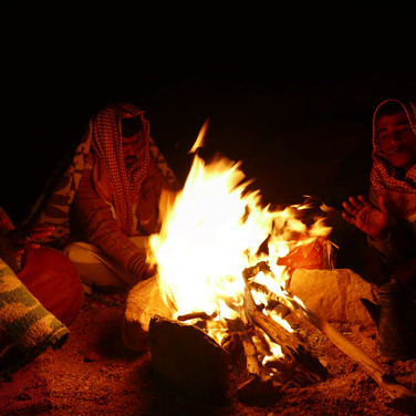 Camp is made near the pools & a warm fire set ablaze as the cold desert night draws in.