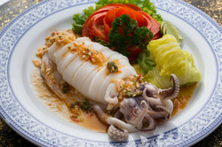 SQUID FRIED WITH SPICY LEMON SAUCE