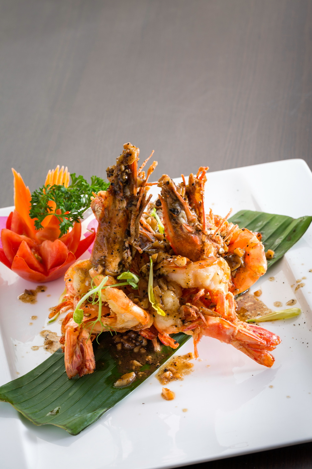 Phad Kratiem Prik Thai with Prawn(1)