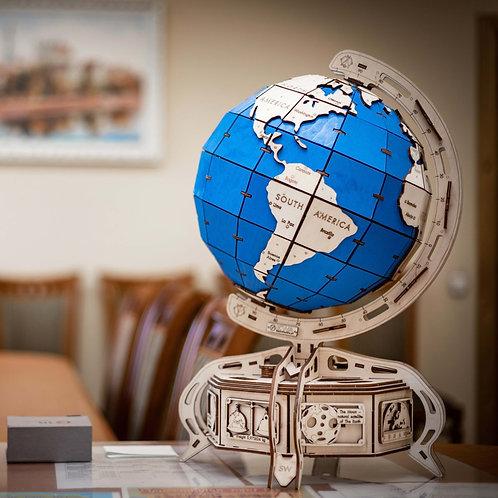 Глобус с синим океаном