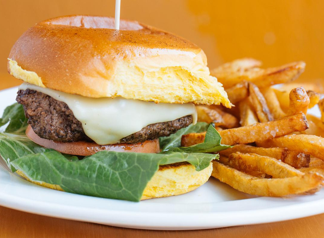 Guppys Cheeseburger