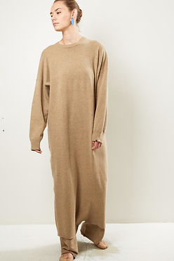 extreme cahmere - super soft and long cashmere dress in camel beige