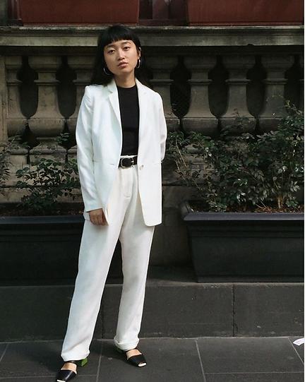 organic white pants suits Arnsdorf.png
