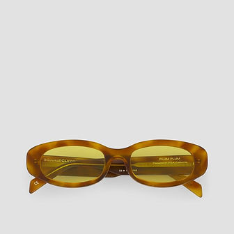 90s inspired turtoise rectangular sunglasses with yellow lenses from ethical eyewear brand Bonnie Clyde