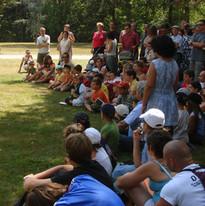 Le capitaine du Béarn explique au nombreux public venu nous voir