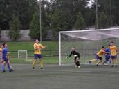 Юноши показывают достойный футбол