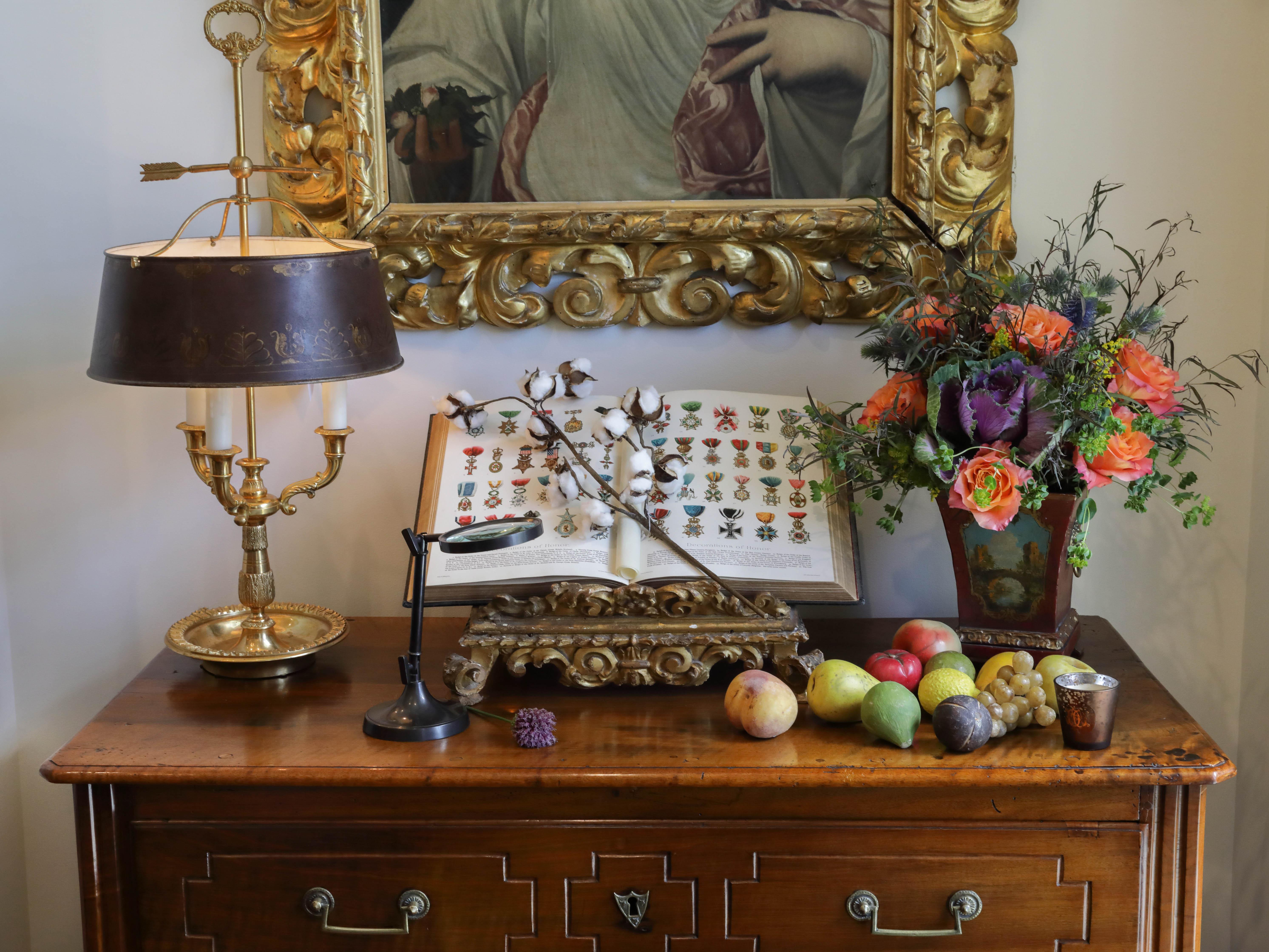 Antiques arrangement