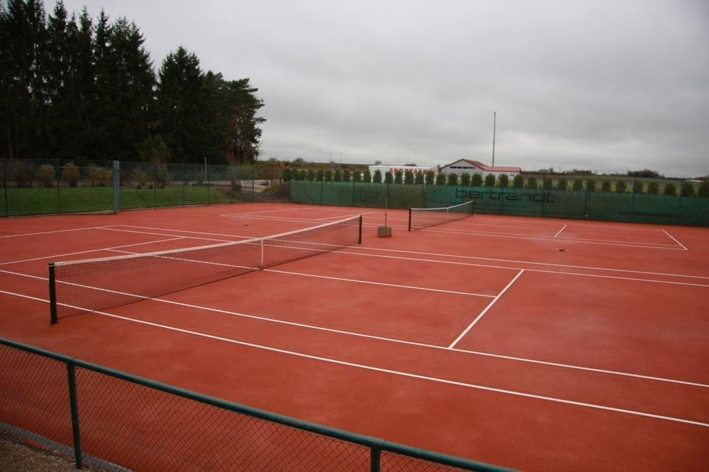 2 Tennis Force Plätze (1)