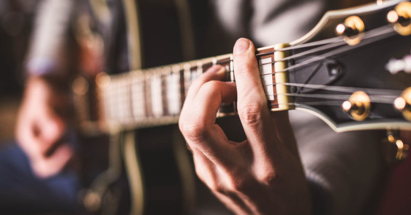 acoustic-guitars-for-worship-leaders-800