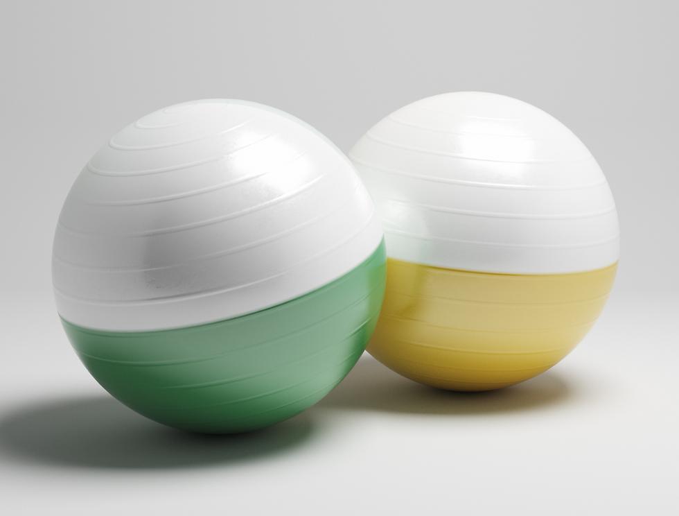 Yeşil ve sarı denge topları.