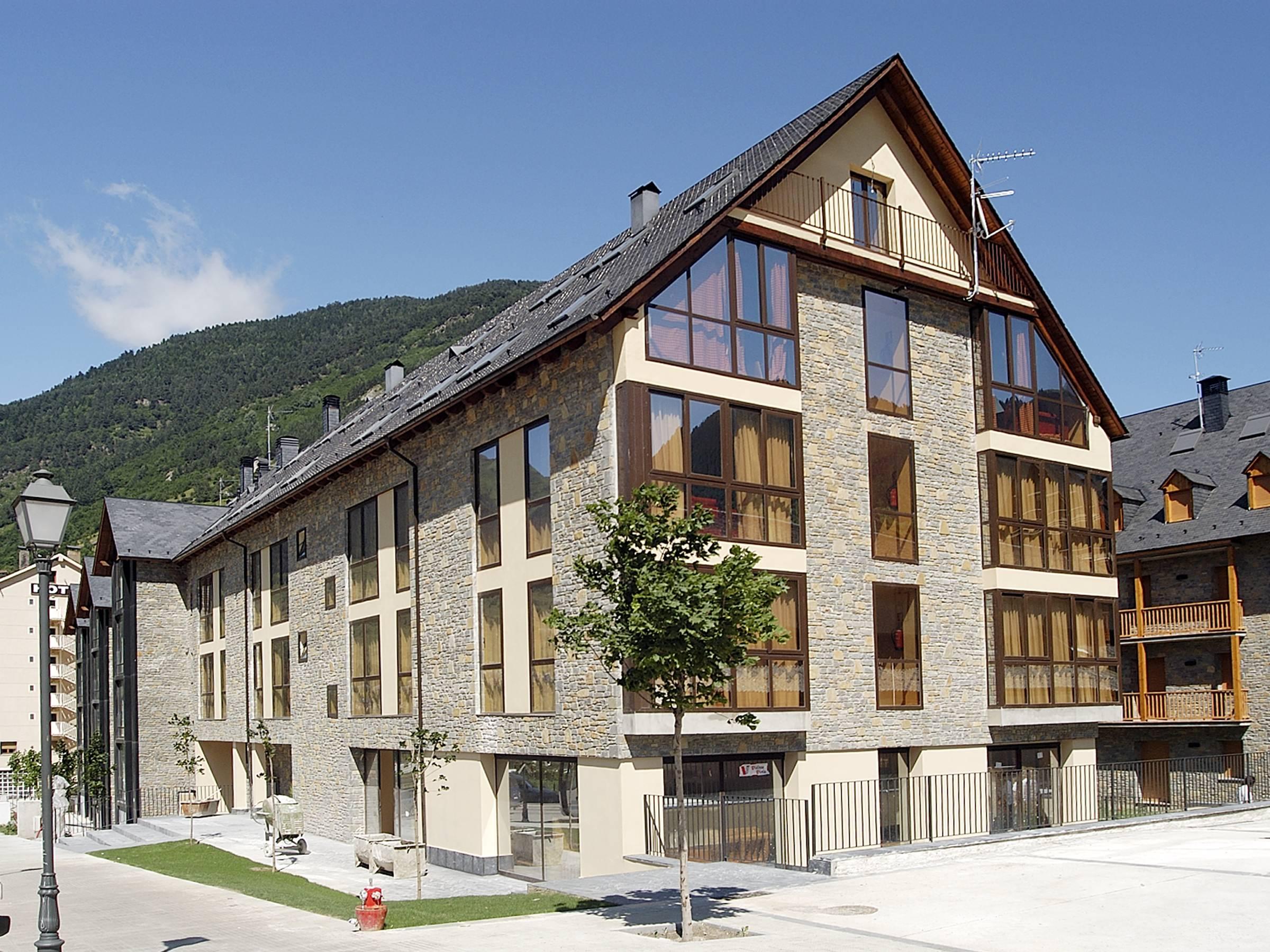 Apartments NouVielha