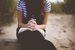 woman_pray_1501606217.jpg