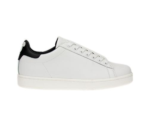 MOA. Disney® leather white.