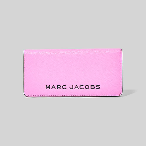 MARC JACOBS. The Bold Open Face Wallet Cyclamen