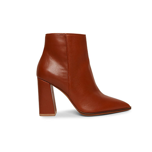 STEVE MADDEN. Rayni Cognac Leather Ankle Boot.