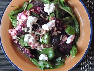 Salada de beterraba, rúcula e queijo de cabra!