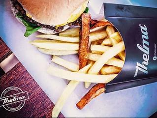 Rolou no fim de semana... hambúrguer e recomendação de seriado: COOKED!