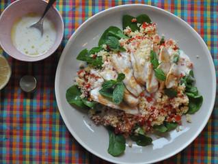 Salada de cuscuz com frango e rúcula!