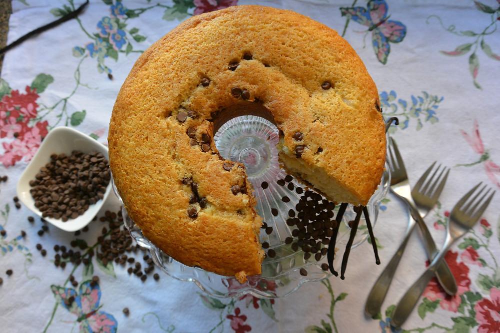 bolo de baunilha com gotas de chocolate 4.JPG