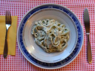 Fettuccine de espinafre com molho branco!