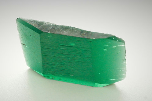 Hydrothermal Emerald Regular color, Weight 57.02 cts, Thickness 5.8 mm