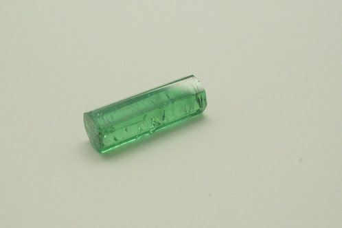 Hydrothermal Emerald Crystal Colombian color, Length 20mm, Weight 7.87 cts