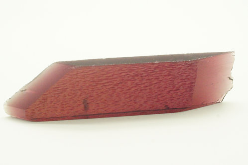 Hydrothermal Maroon color Beryl, Length 95 mm, Weight 139.27 cts