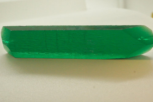 Hydrothermal Emerald Colombian color 128.18 cts Thickness 6.6 mm