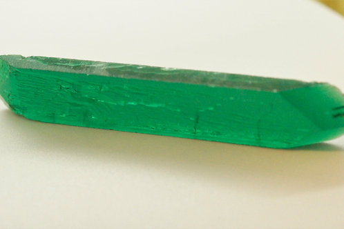 Hydrothermal Emerald Colombian color, Weight 103.25 cts, Thickness 6.5 mm