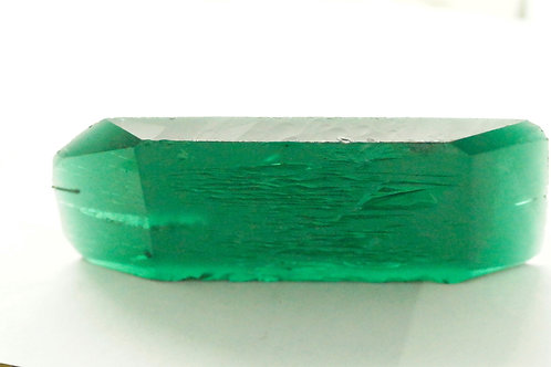 Hydrothermal Emerald Regular color,  Weight 137.05 cts, Thickness 6.5 mm